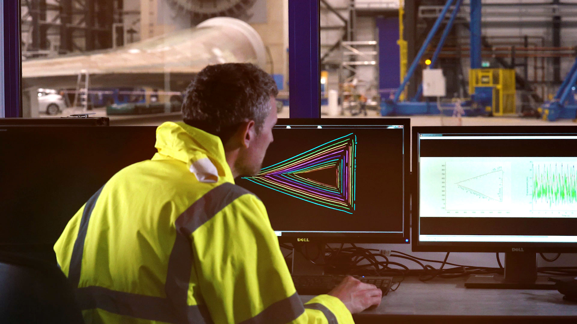 A Catapult engineer investigates the structural integrity of a turbine blade using Wideblue software as part of the BOHEM project.